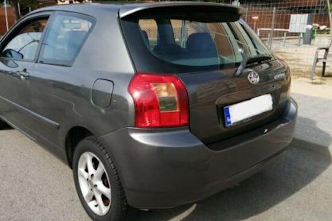 Alquiler barato de Toyota Corolla cerca de 28027 Madrid.