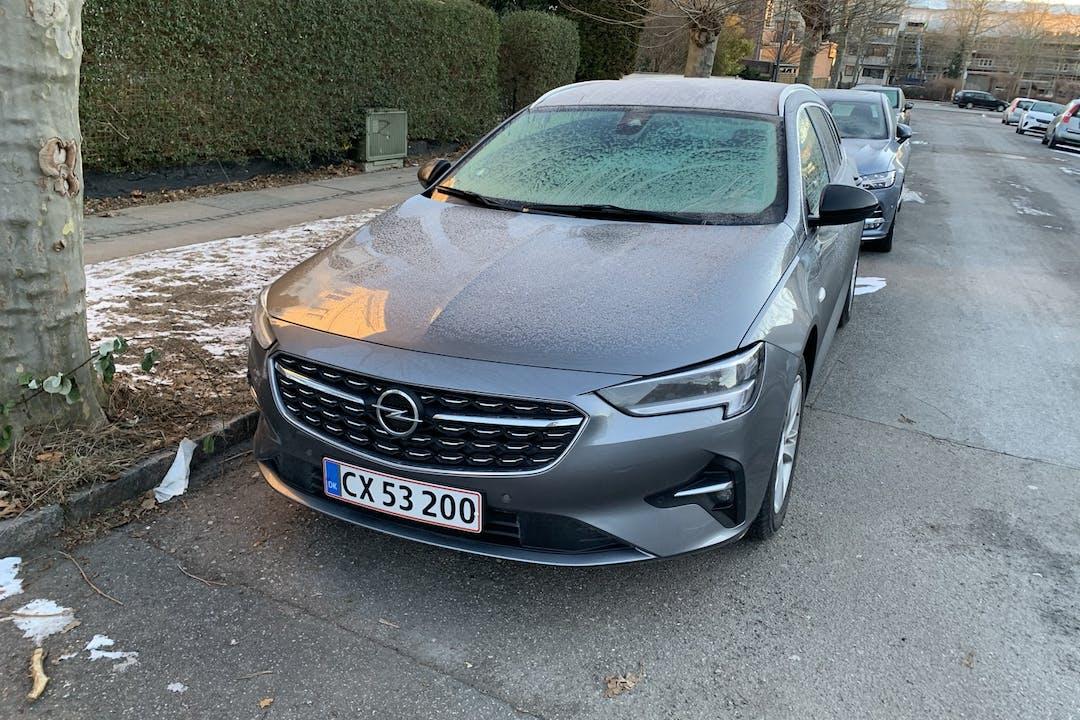 Billig billeje af Opel Insignia nær 2720 København.