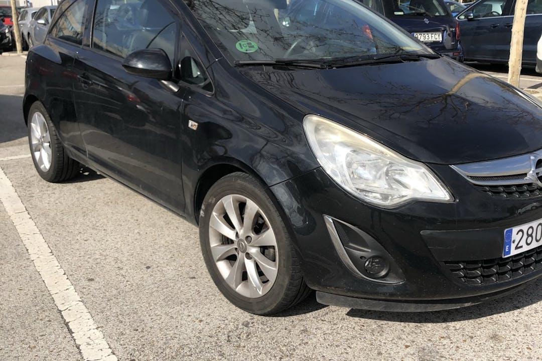 Alquiler barato de Opel Corsa cerca de  Madrid.