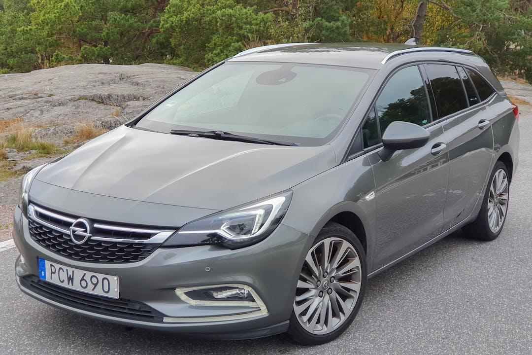 Billig biluthyrning av Opel Astra med GPS i närheten av 167 74 Nockeby.