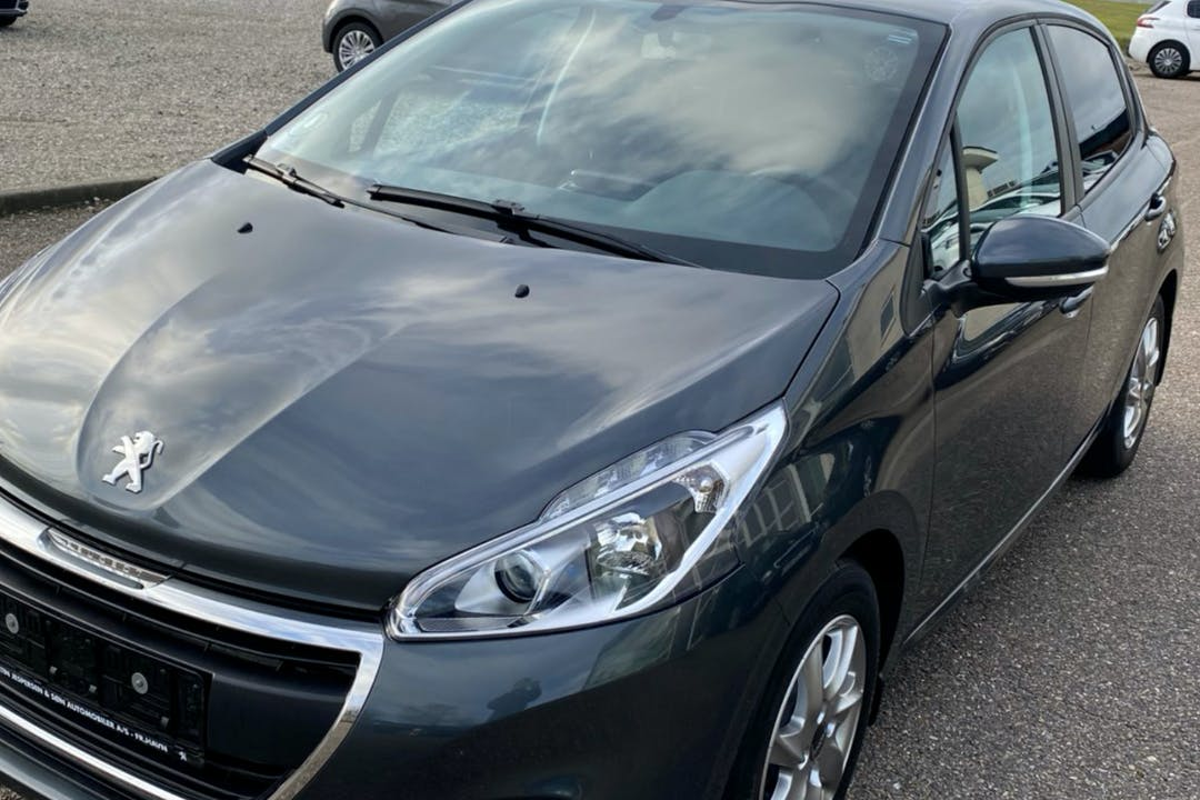 Billig billeje af Peugeot 208 nær 2880 Bagsværd.