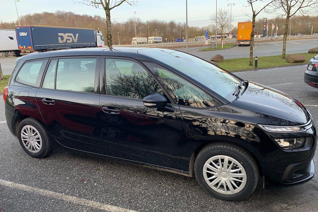 Billig billeje af Citroën Grand C4 SpaceTourer nær 2800 Kongens Lyngby.
