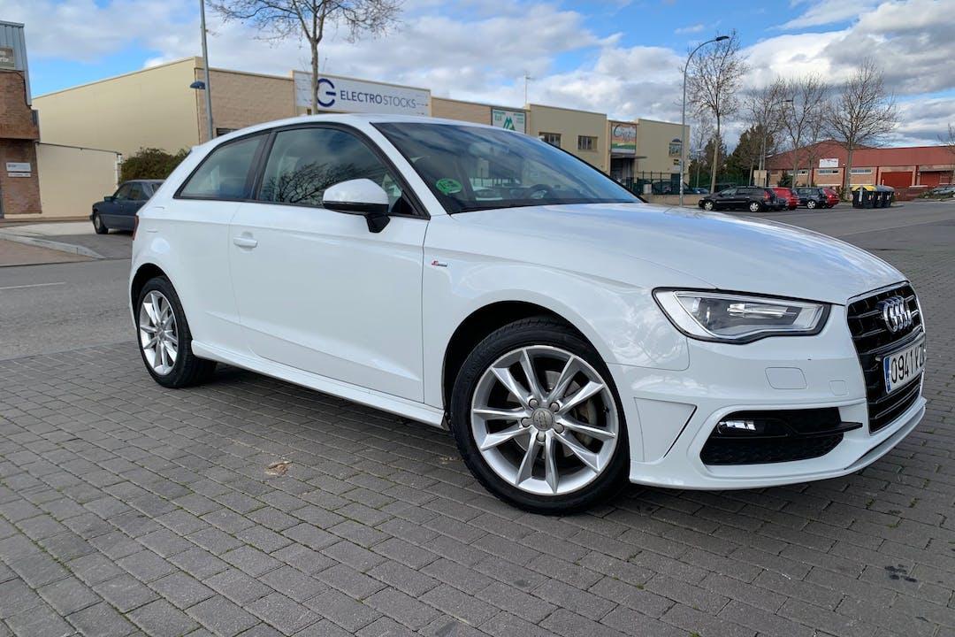 Alquiler barato de Audi A3 cerca de 28400 Collado Villalba.
