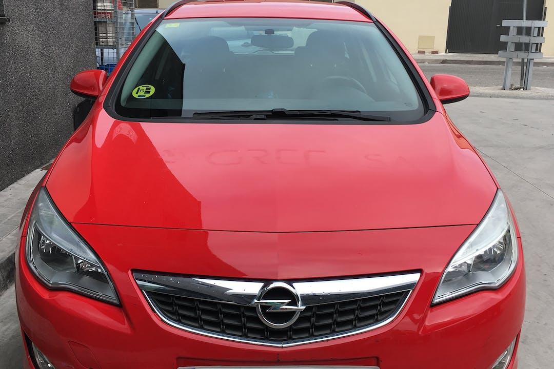 Alquiler barato de Opel Astra cerca de 08031 Barcelona.