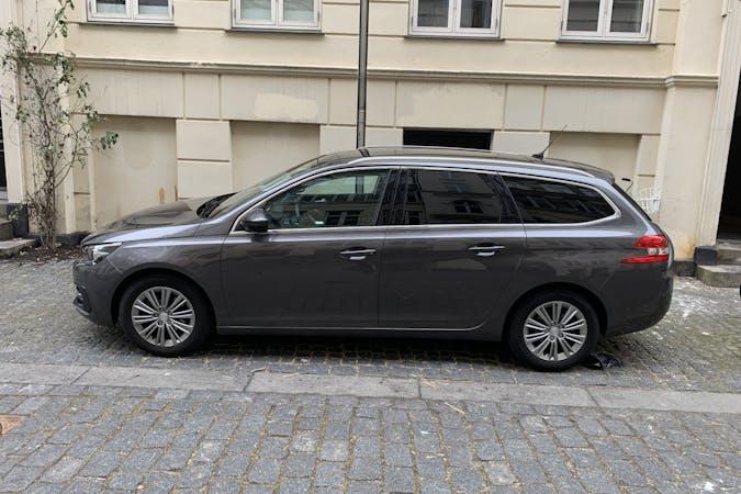 Billig billeje af Peugeot 308 SW nær 2200 København.
