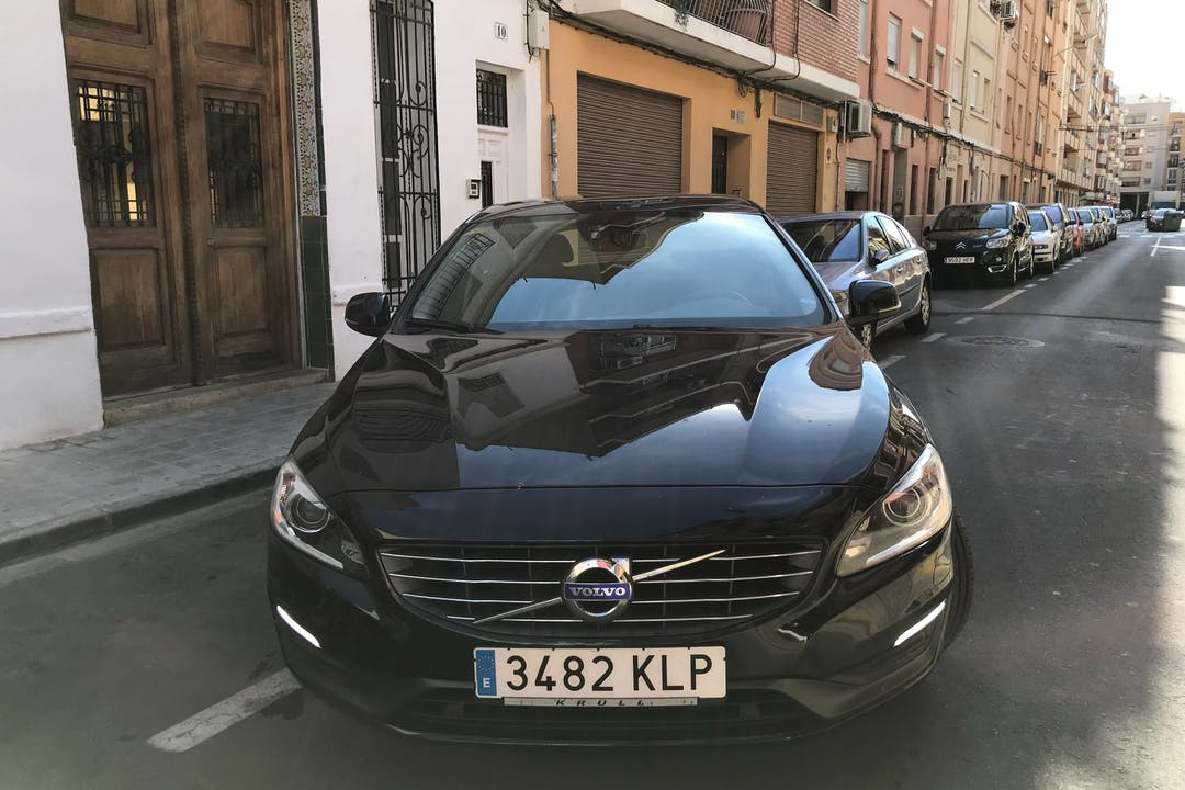Alquiler barato de Volvo V60 cerca de  Mislata.
