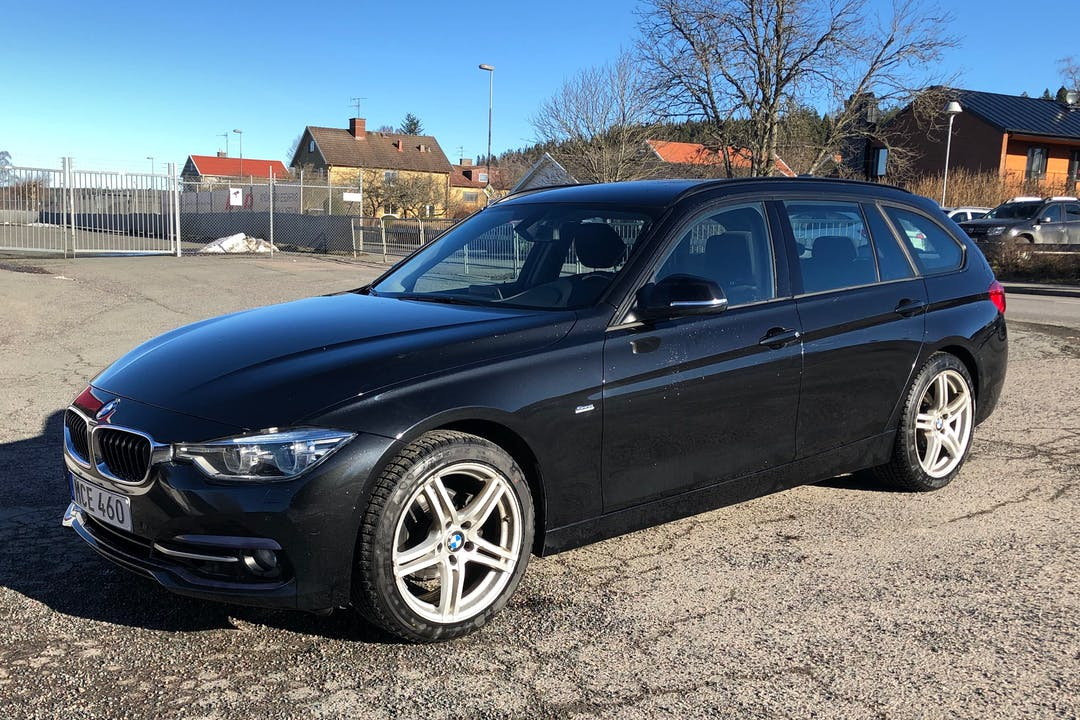 Billig biluthyrning av BMW 3 Series med Isofix i närheten av 560 27 Jönköping SO.
