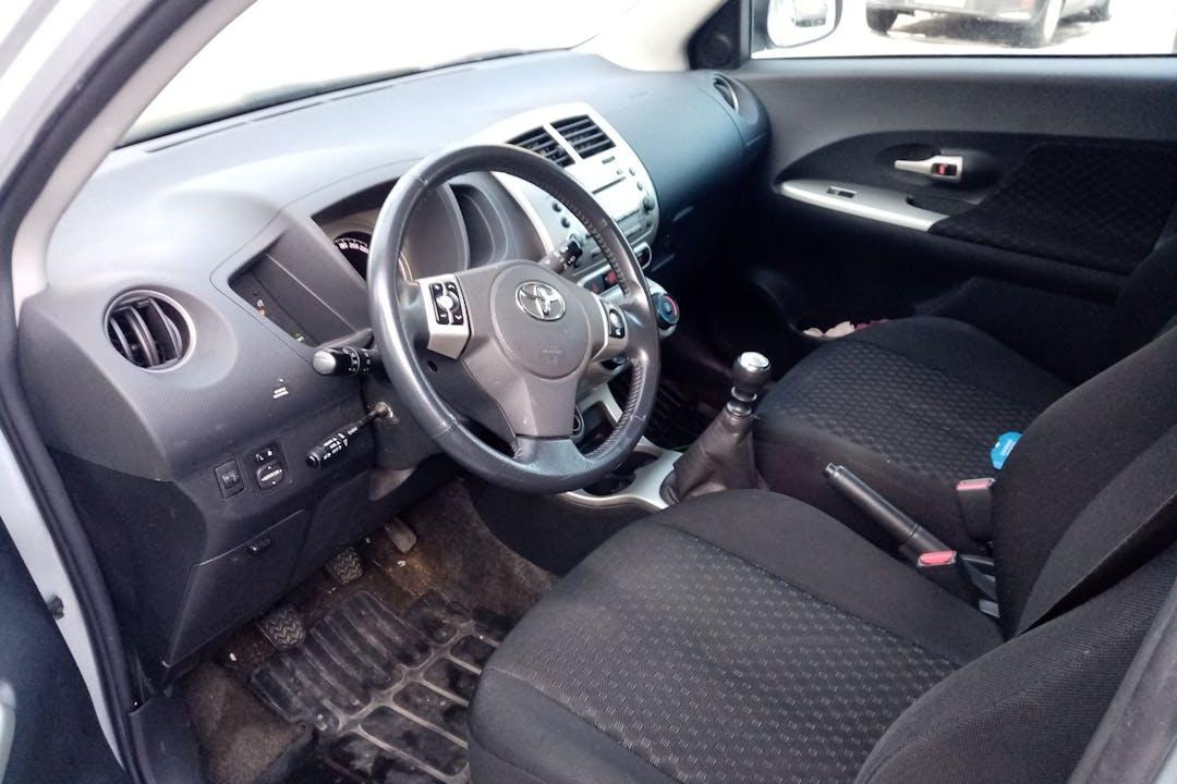 Toyota Urban Cruisern halpa vuokraus Isofix-kiinnikkeetn kanssa lähellä 33850 Tampere.