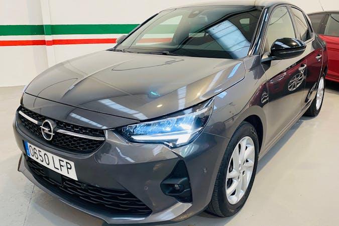 Alquiler barato de Opel Corsa con equipamiento GPS cerca de 28014 Madrid.