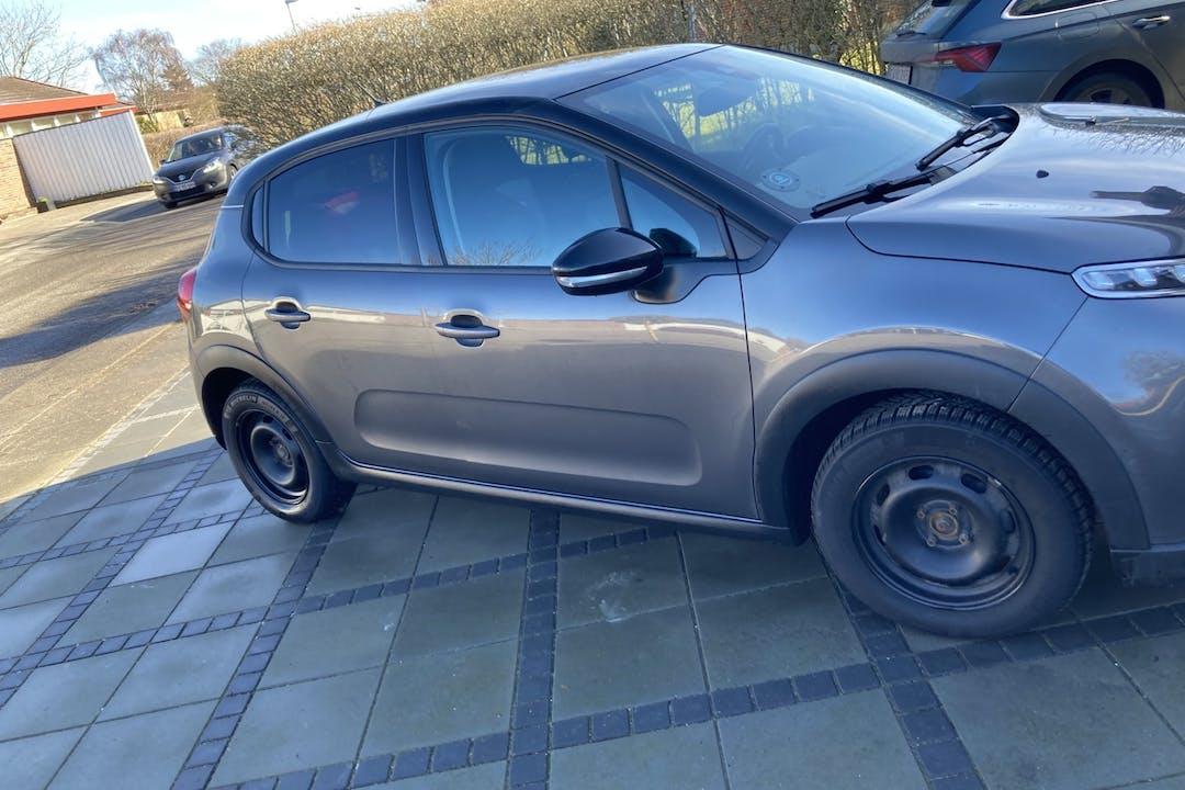 Billig billeje af Citroën C3 med GPS nær 9490 Pandrup.