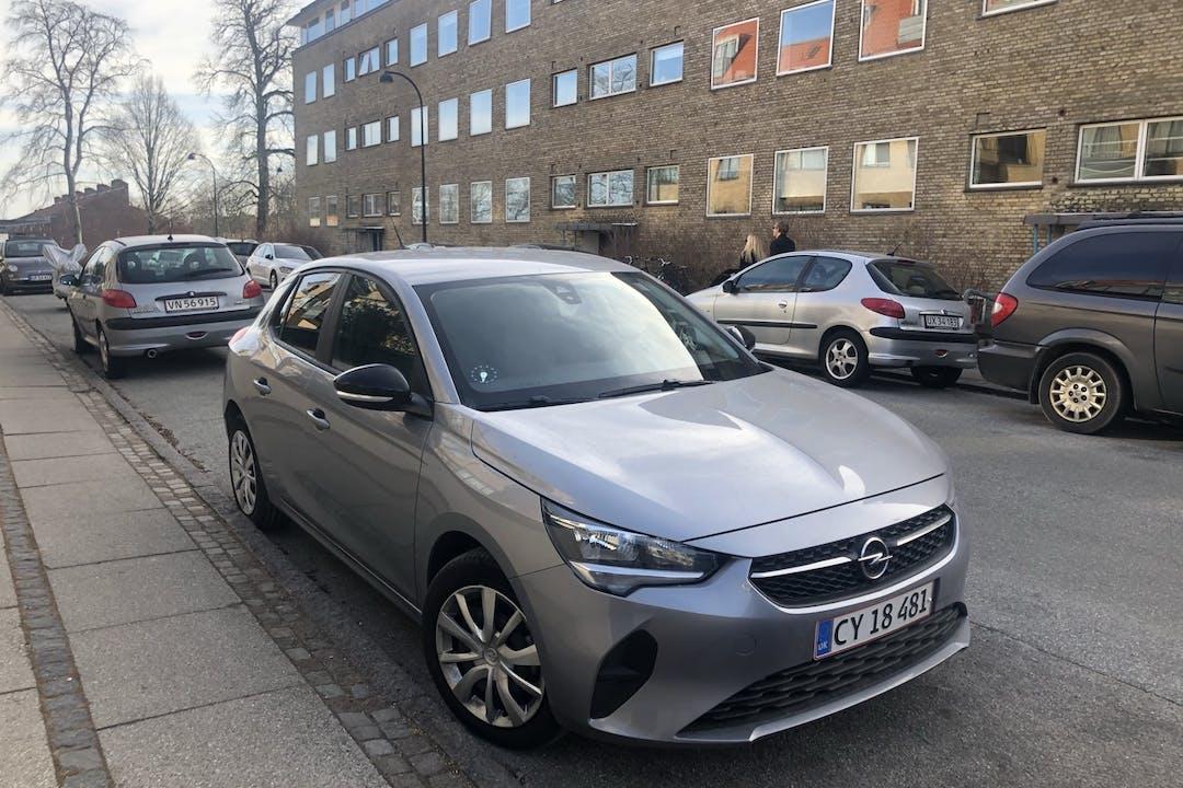 Billig billeje af Opel Corsa med Isofix beslag nær 2920 Charlottenlund.