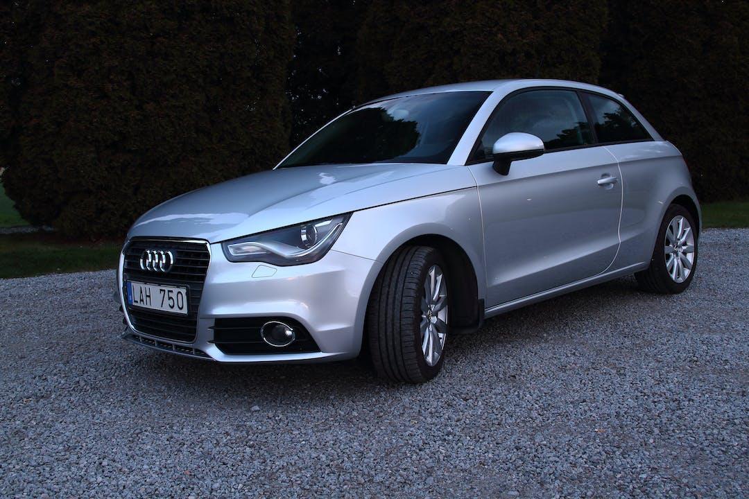 Billig biluthyrning av Audi A1 i närheten av 178 37 .