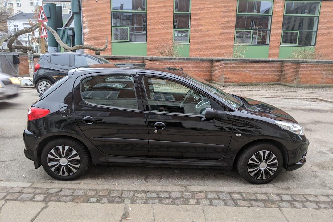 Billig billeje af Peugeot 206+ nær 2200 København.