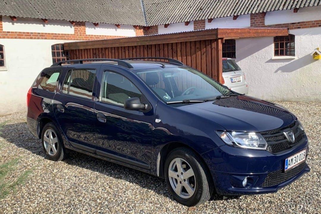 Billig billeje af Dacia Logan med GPS nær 5000 Odense.