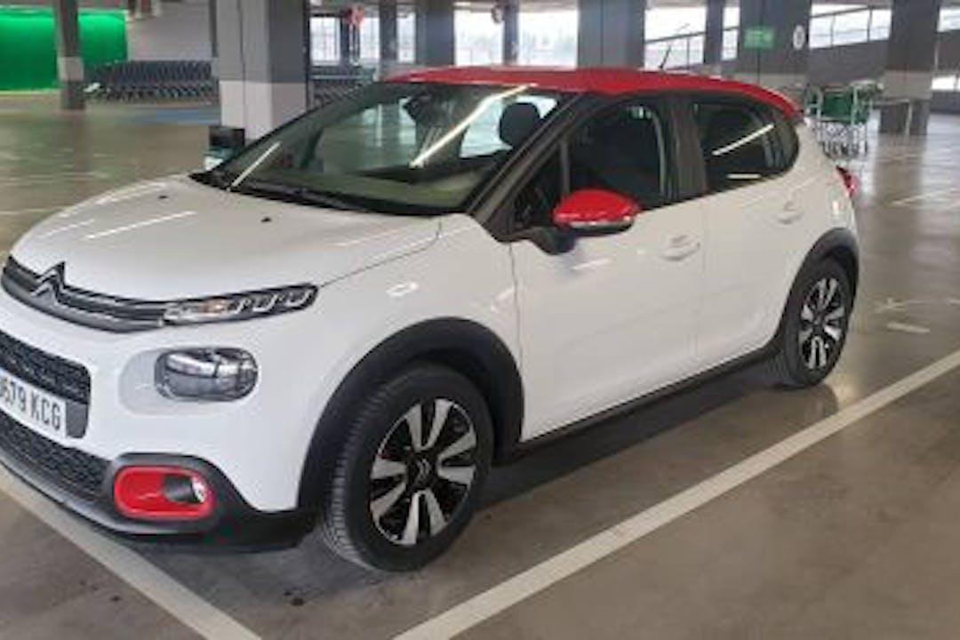 Alquiler barato de Citroën C3 con equipamiento GPS cerca de 28026 Madrid.