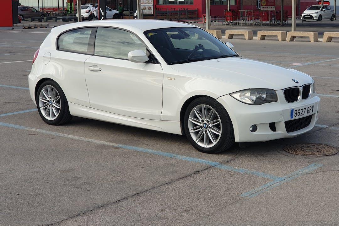 Alquiler barato de BMW X1 cerca de  Burjasot.