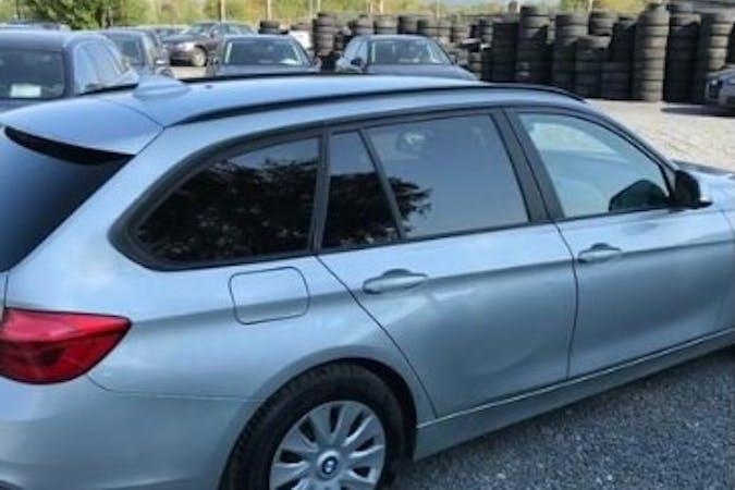 Billig billeje af BMW 3 Series med GPS nær 3200 Helsinge.