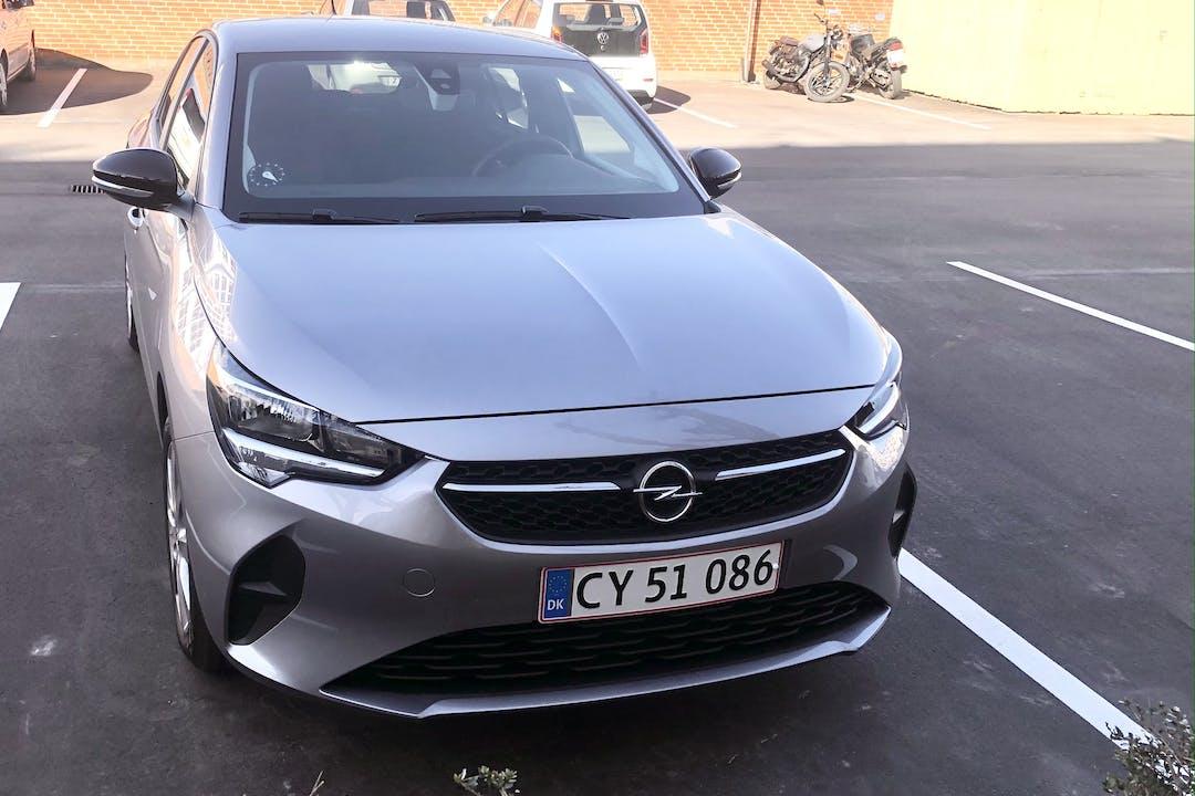 Billig billeje af Opel Corsa med GPS nær 2300 København.