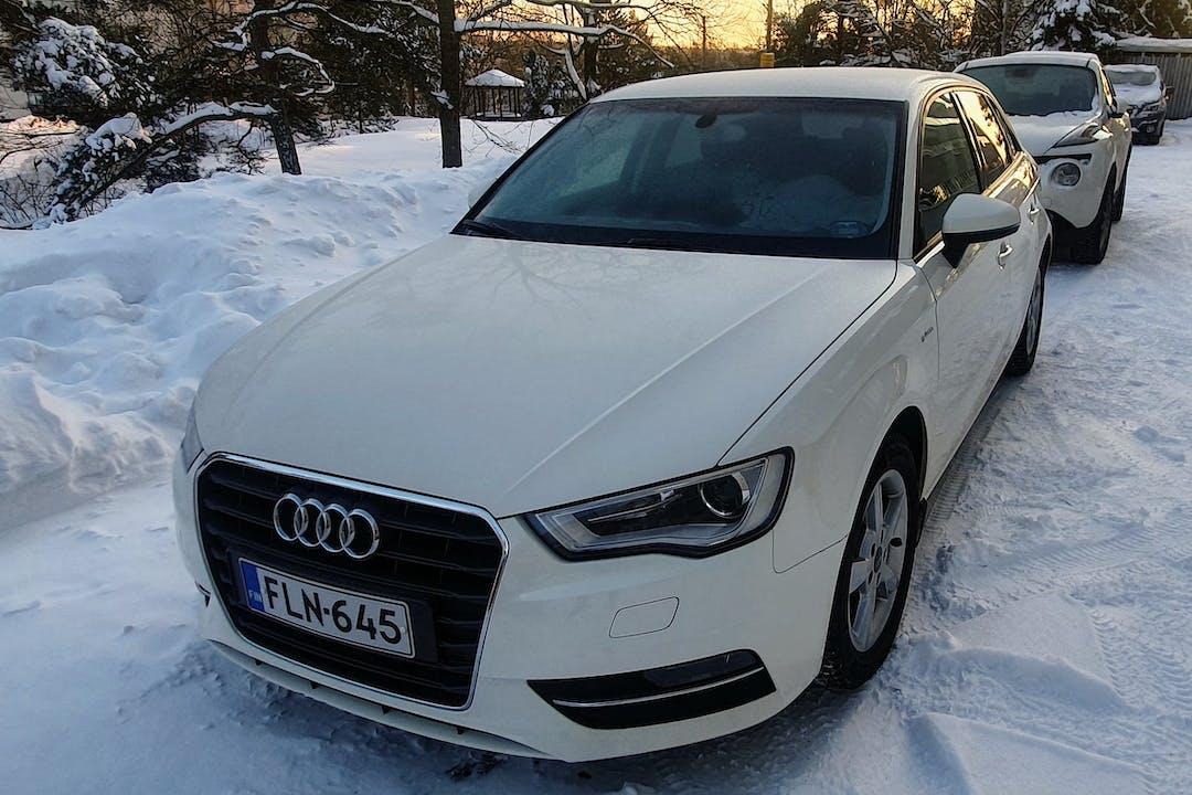 Audi A3 Sportbackn halpa vuokraus Isofix-kiinnikkeetn kanssa lähellä 00710 Helsinki.
