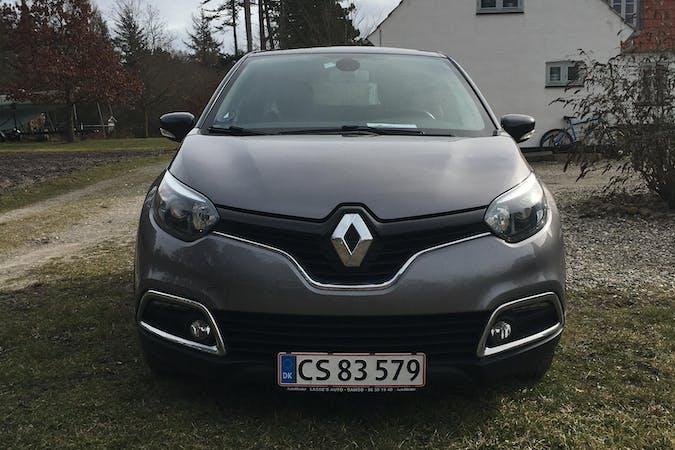 Billig billeje af Renault Captur med GPS nær 8305 Samsø.