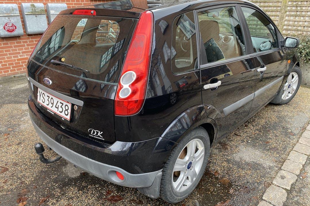 Billig billeje af Ford Fiesta nær 9220 Aalborg.