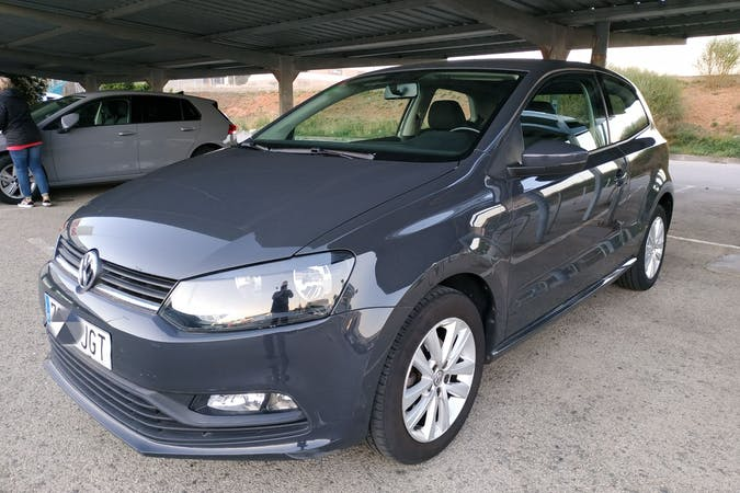Alquiler barato de Volkswagen Polo cerca de 08010 Barcelona.