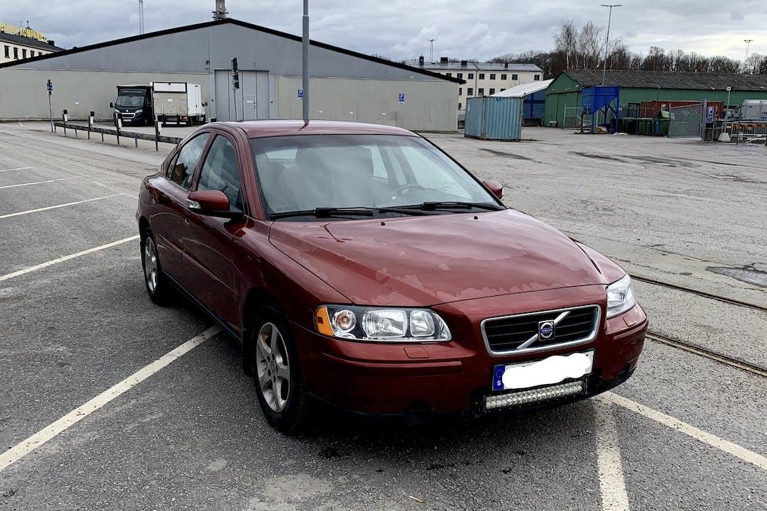 Billig biluthyrning av Volvo S60 med Dragkrok i närheten av 113 26 Norrmalm.