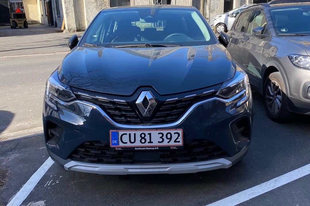 Billig billeje af Renault Captur med GPS nær 2000 Frederiksberg.