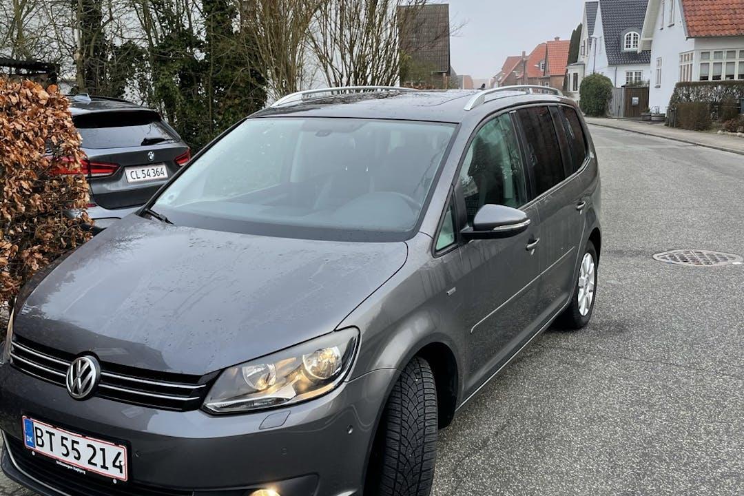 Billig billeje af Volkswagen Touran med Isofix beslag nær 7000 Fredericia.