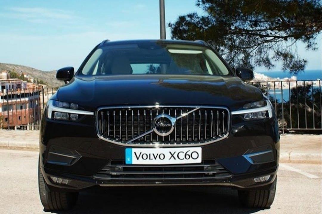 Alquiler barato de Volvo XC60 con equipamiento GPS cerca de 46002 València.