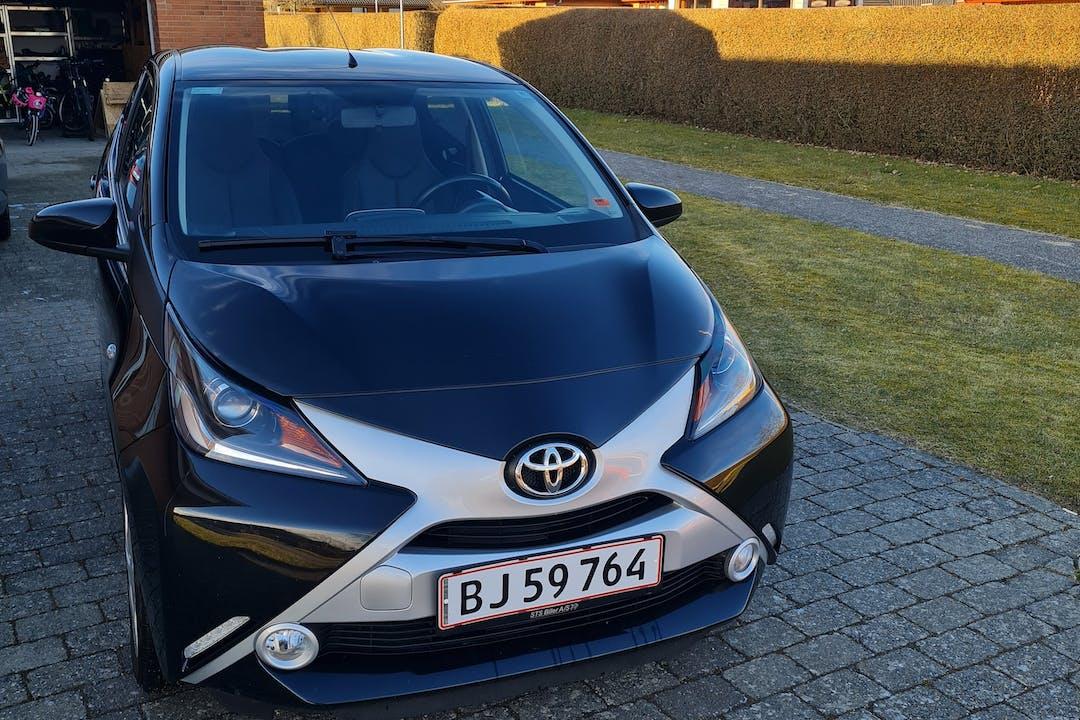 Billig billeje af Toyota AYGO nær 7400 Herning.