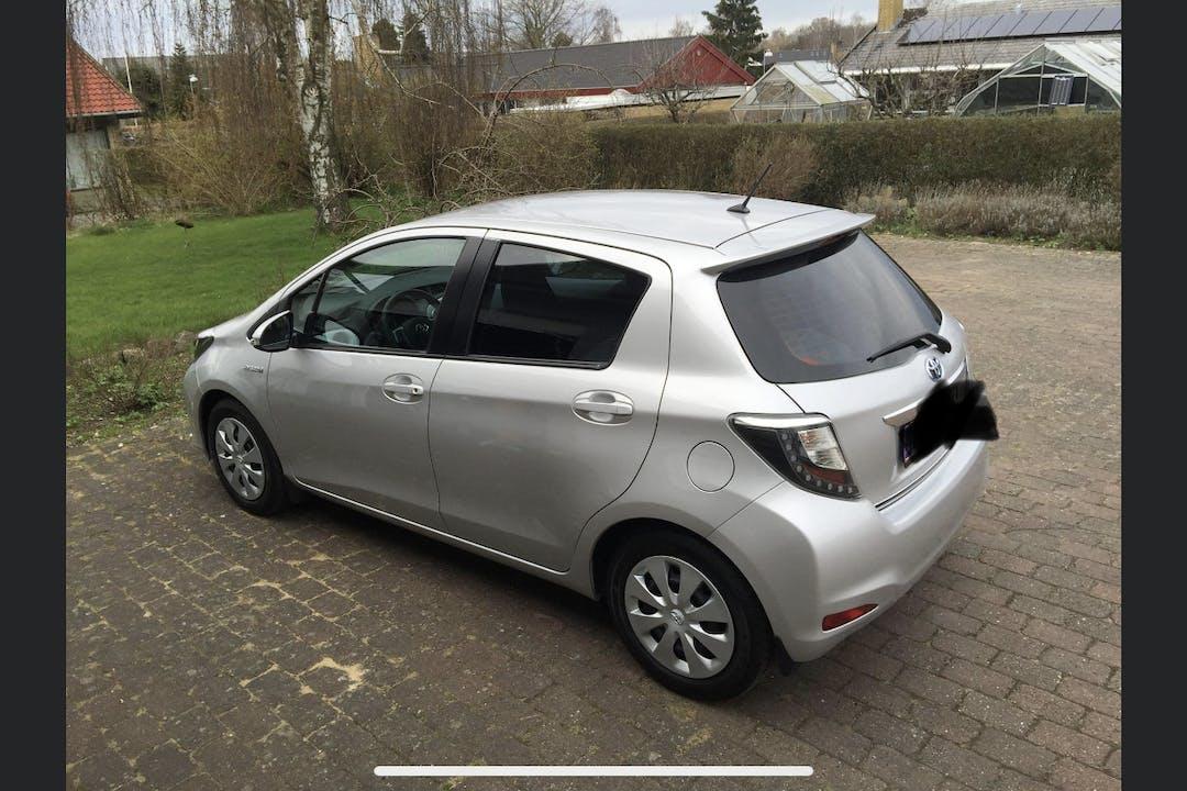 Billig billeje af Toyota Yaris nær 2300 København.