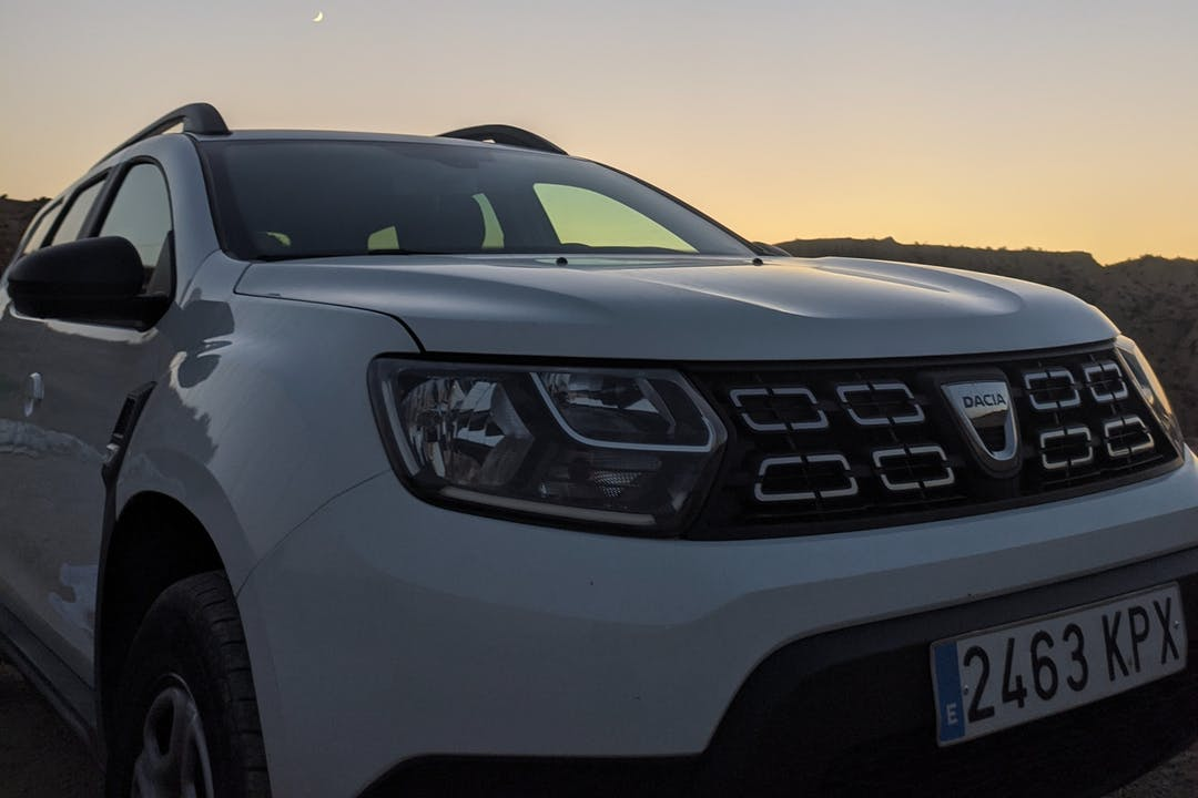 Alquiler barato de Dacia Duster con equipamiento Bluetooth cerca de 03007 Alicante (Alacant).