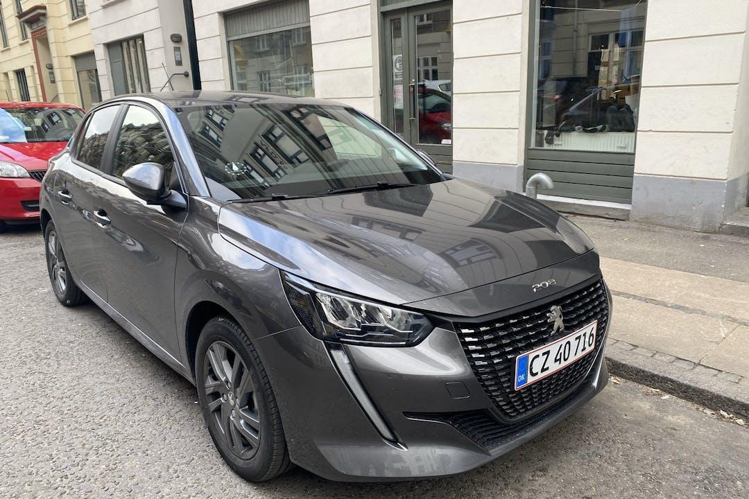 Billig billeje af Peugeot 208 med GPS nær 1429 København.