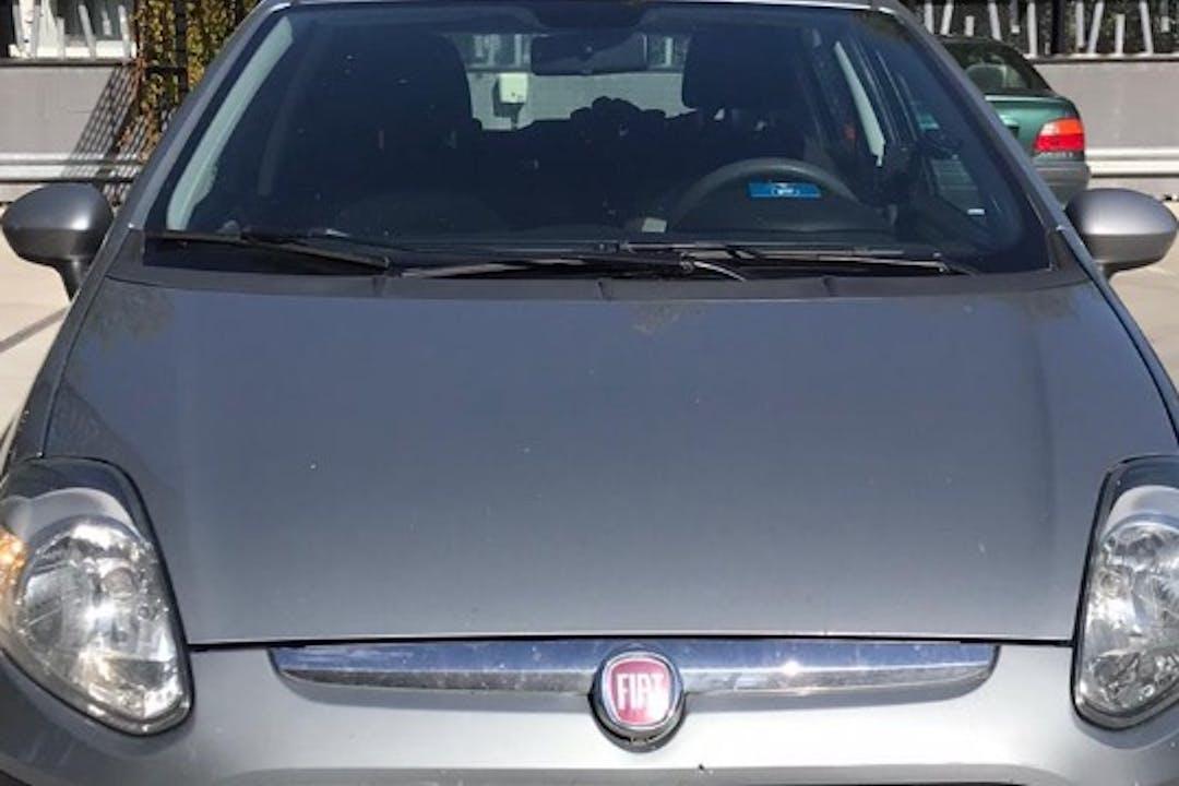 Fiat Punton lalpa vuokraus lähellä 01620 Vantaa.