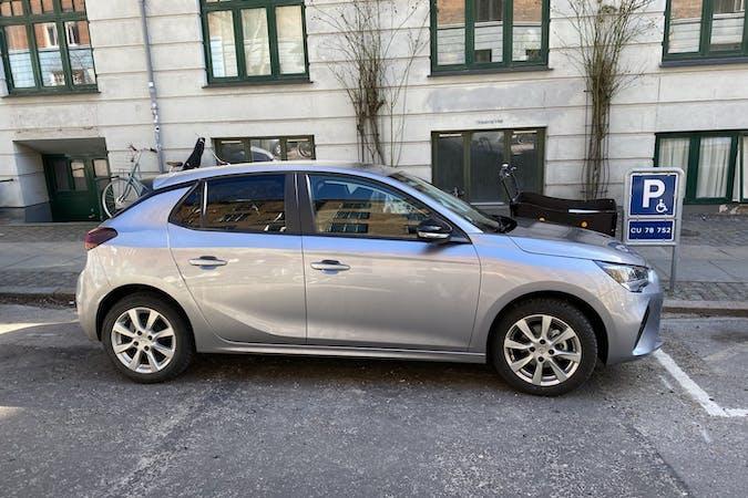 Billig billeje af Opel Corsa med GPS nær 2200 København.