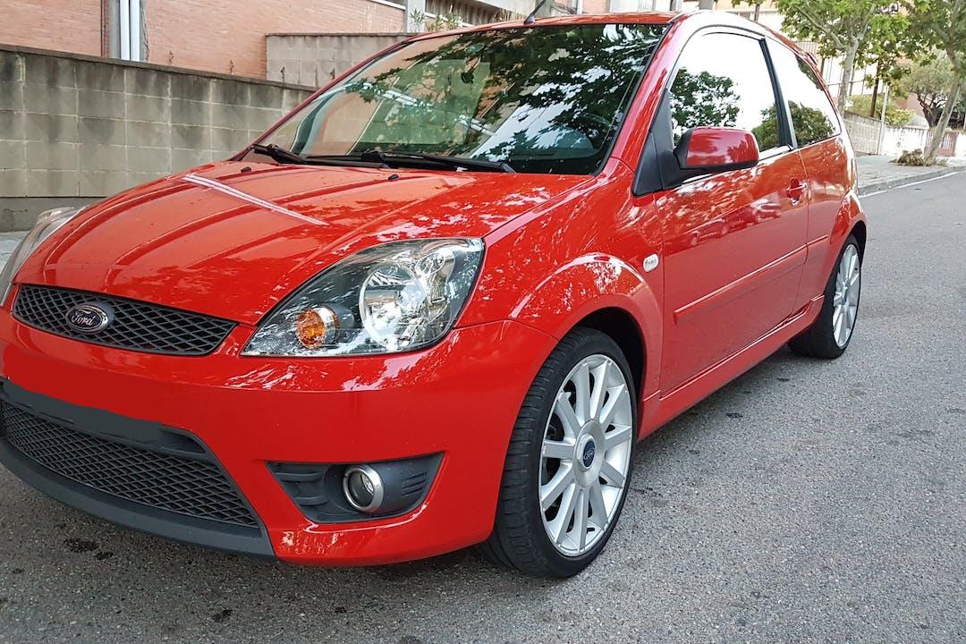 Alquiler barato de Ford Fiesta 2.0 St cerca de 08960 Sant Just Desvern.