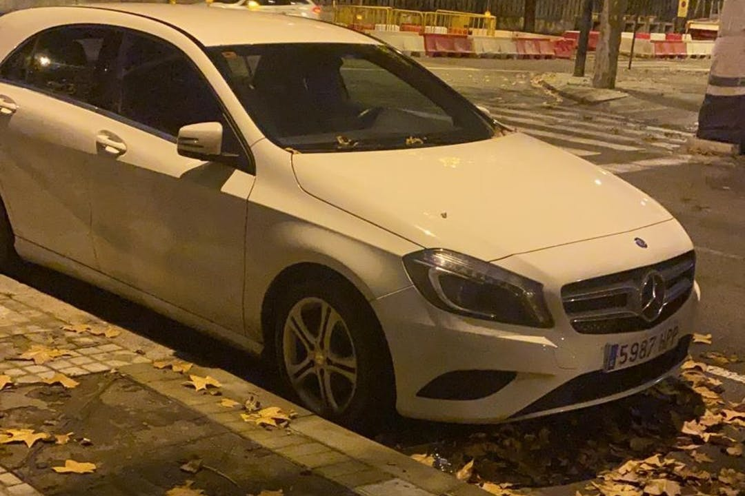 Alquiler barato de Mercedes A-Class cerca de 22330 Aínsa.