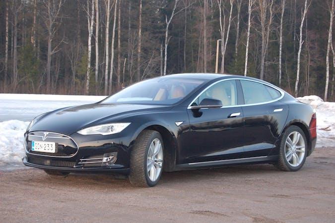 Tesla Model Sn lalpa vuokraus lähellä 00660 Helsinki.