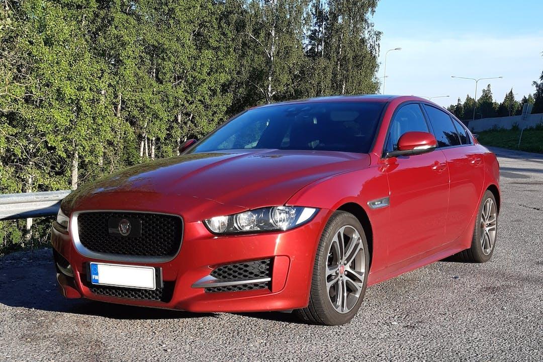 Jaguar XEn lalpa vuokraus lähellä 03100 Nummela.