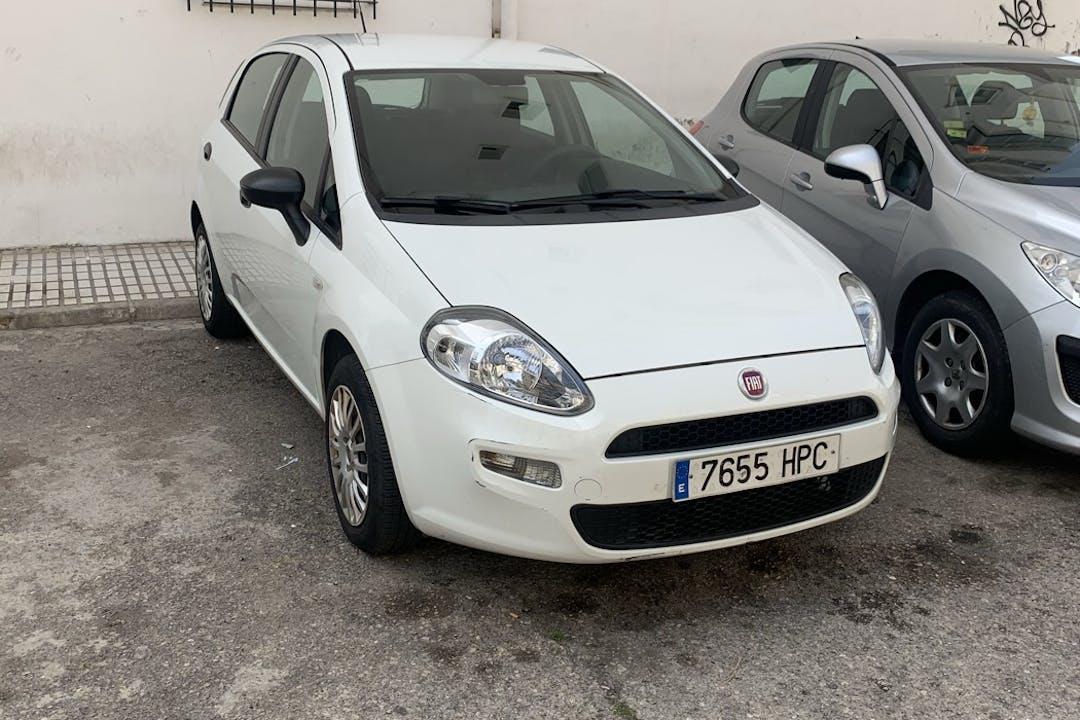Alquiler barato de Fiat Punto cerca de 29003 Málaga.