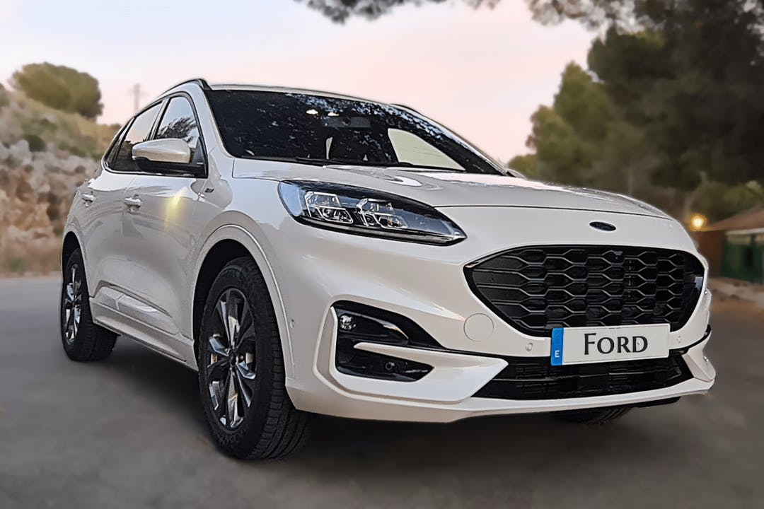 Alquiler barato de Ford Kuga cerca de 46002 València.