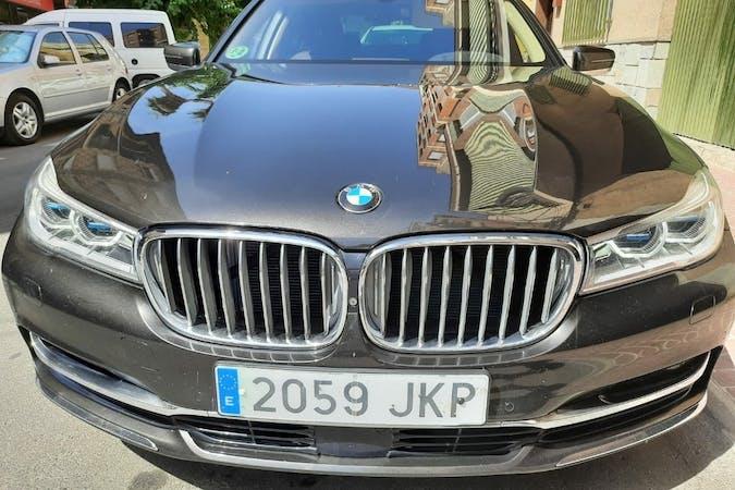 Alquiler barato de BMW 7 Series con equipamiento GPS cerca de 30820 Alcantarilla.