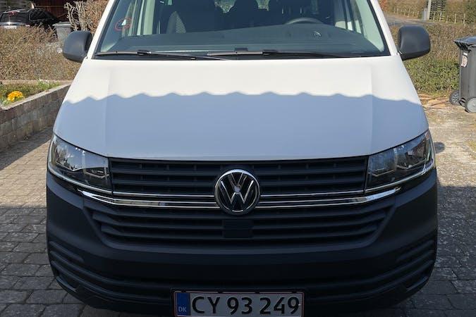 Billig billeje af Volkswagen Caravelle med GPS nær 3400 Hillerød.