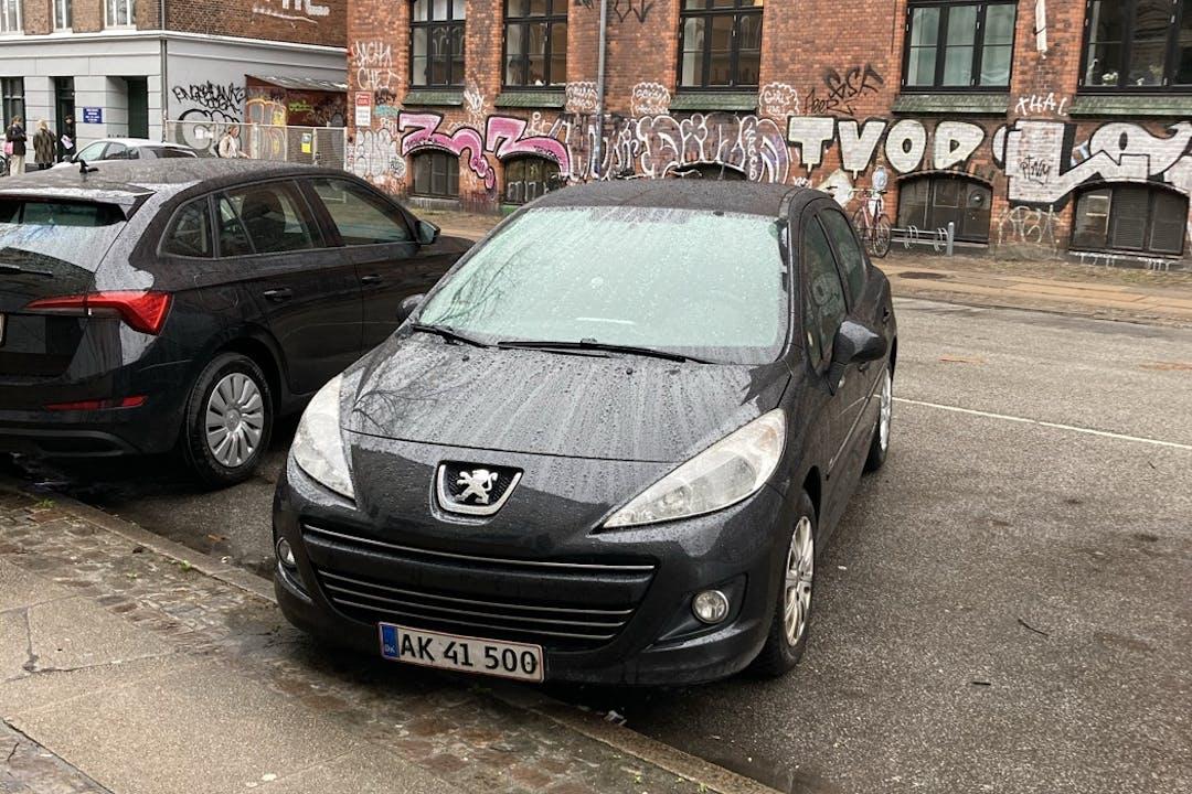 Billig billeje af Peugeot 207 med Anhængertræk nær 2200 København.