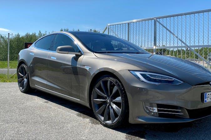 Tesla Model Sn halpa vuokraus GPSn kanssa lähellä 20780 .