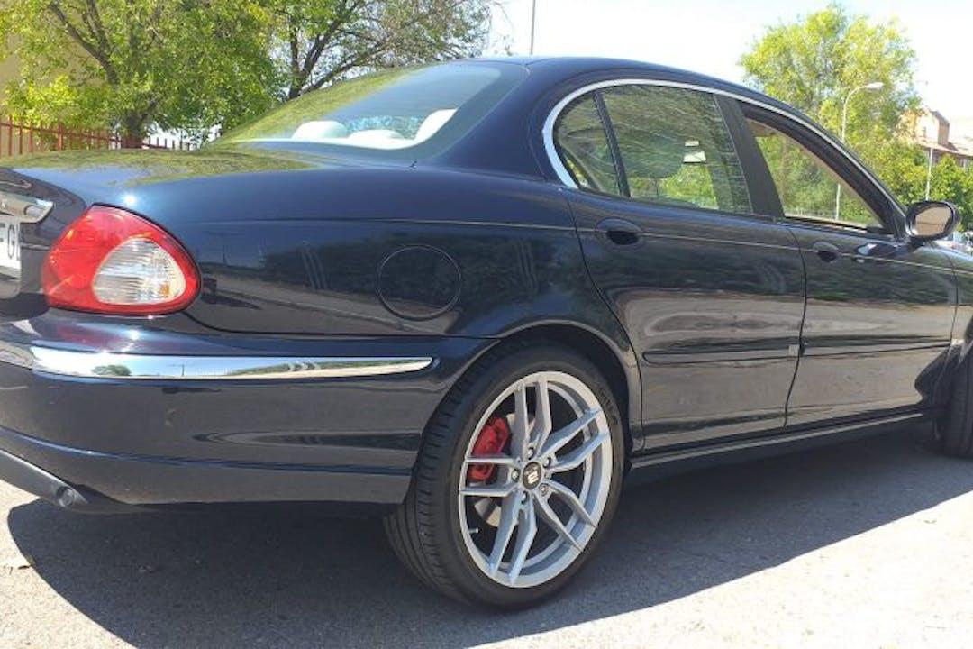 Alquiler barato de Jaguar X-Type con equipamiento Aire acondicionado cerca de 28922 Alcorcón.