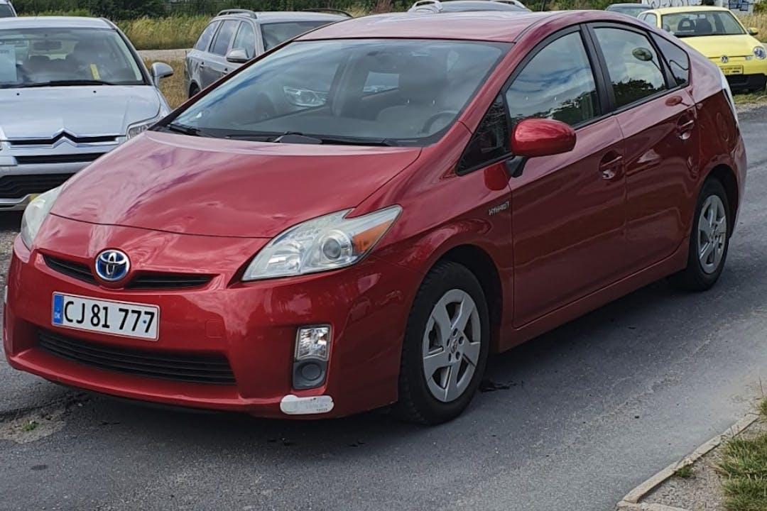 Billig billeje af Toyota Prius med Bluetooth nær 4300 Holbæk.