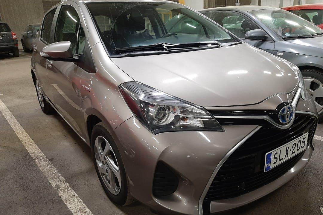 Toyota Yarisn halpa vuokraus GPSn kanssa lähellä 00530 Helsinki.