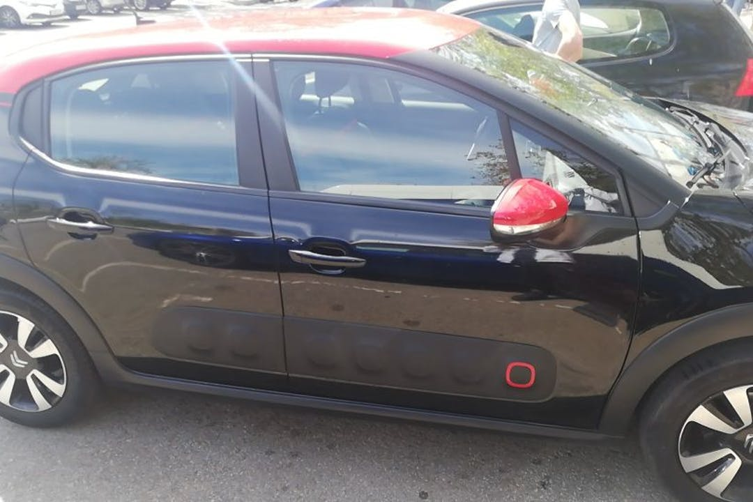 Alquiler barato de Citroën C3 con equipamiento GPS cerca de 08907 L'Hospitalet de Llobregat.